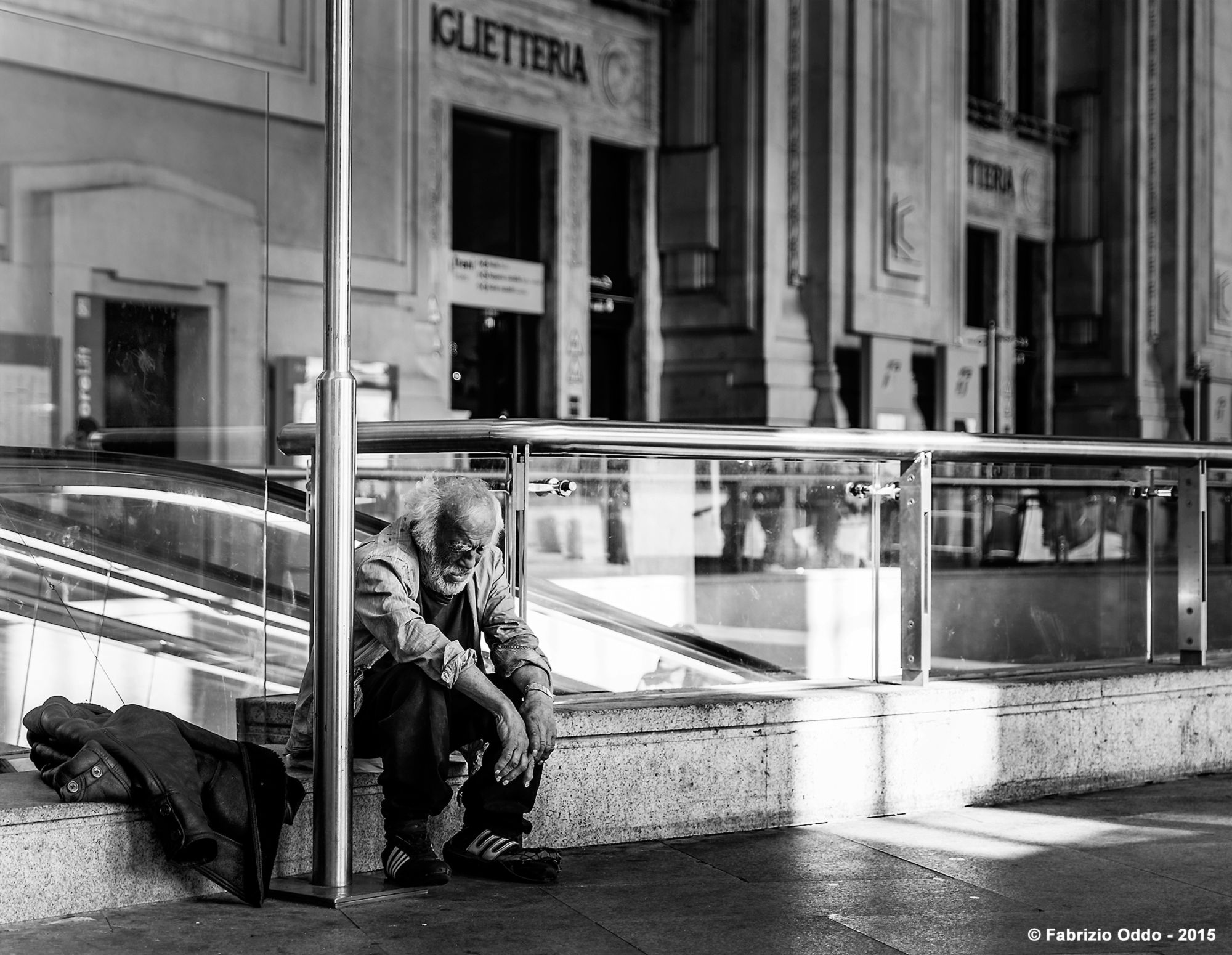 Milano Street Photo - Senza tetto