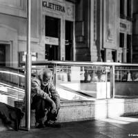 Milano Street Photo - Senza tetto