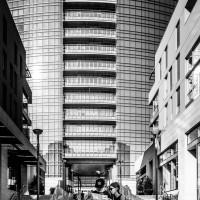 Milano Street Photo - Turisti a Milano bianco e nero