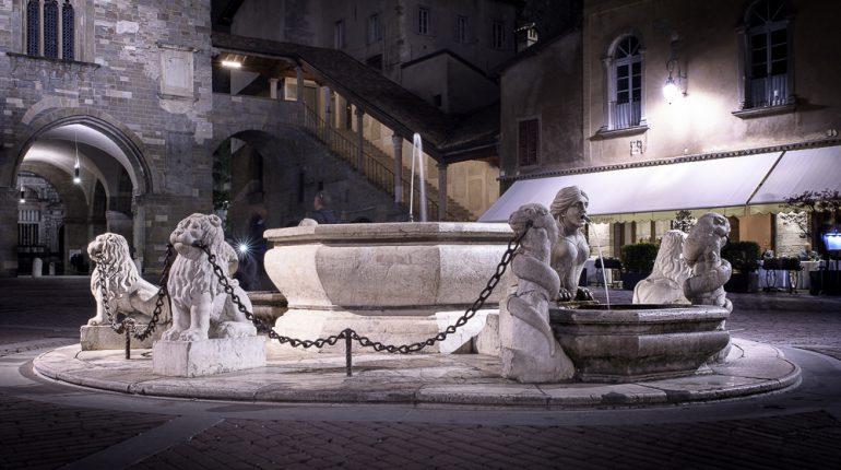 Fontana piazza vecchia